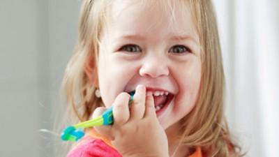 5 rutinas básicas anticaries para los más pequeños