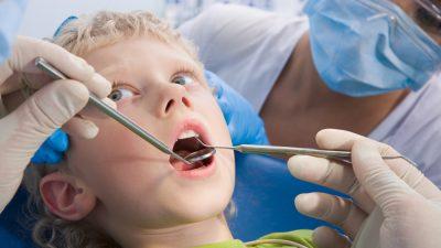 Amenazas a evitar si quieres que tu hijo no venga al dentista con miedo