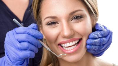 Tratamientos de cirugía periodontal que pueden mejorar tu estética