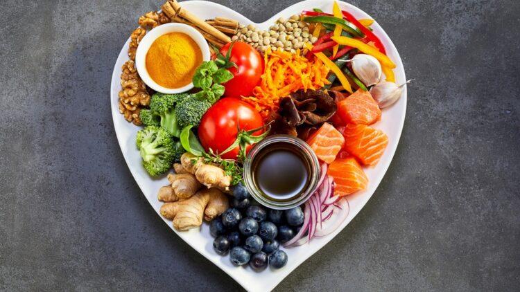 La alimentación y la sequedad bucal están relacionadas, ¿lo sabías?